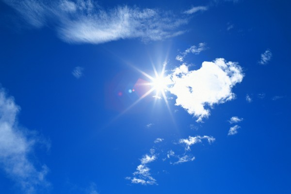 white-clouds-and-blue-sky_1600x1200_78556