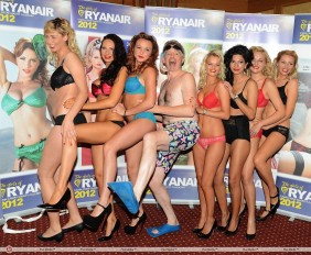 Ryanair_boss_Michael_O_Leary_strip_off_at_the_launch_of_Ryanair_2012_calendar-0d4d5a6bfecac61a956b8a995553094f