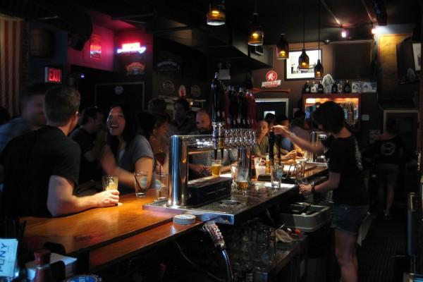 happy-bar-customers-Uncorkd