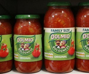 Dolmio pasta sauces are seen in a store in in London, Britain April 15, 2016. REUTERS/Stefan Wermuth - RTX2A3W4